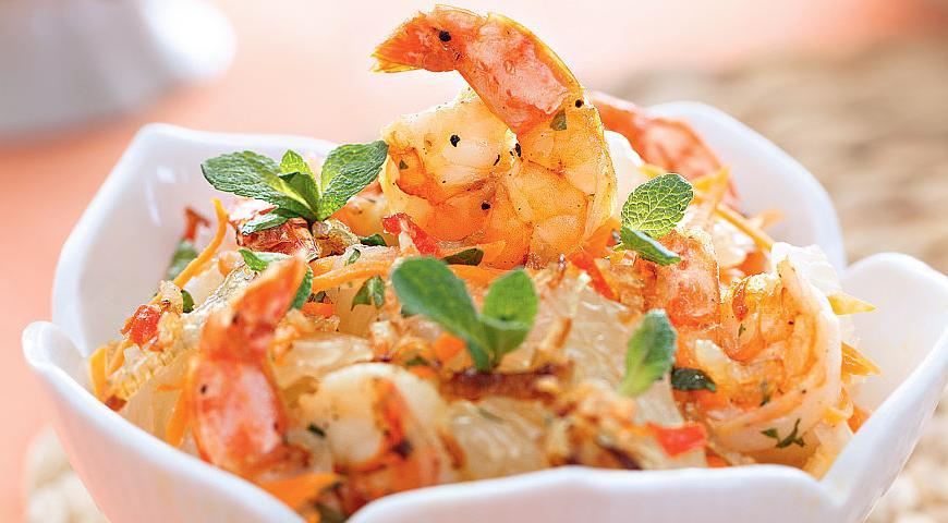 Рецепт Салат из помело с морковью и креветками