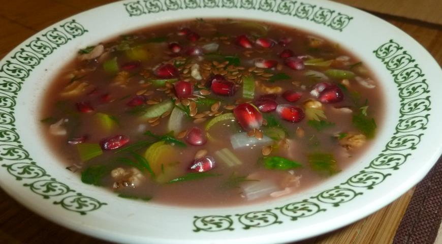 Рецепт Холодный суп с зеленью и гранатовым соком