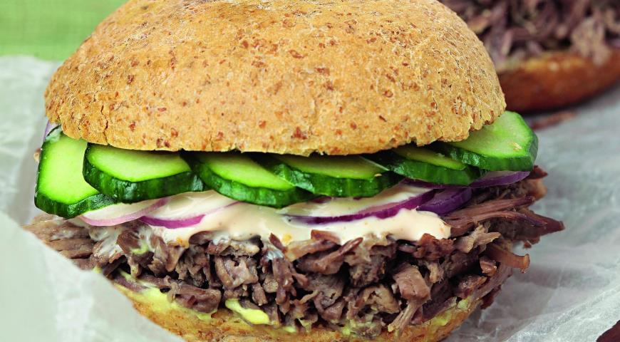 Рецепт Бургер из тушеной говядины