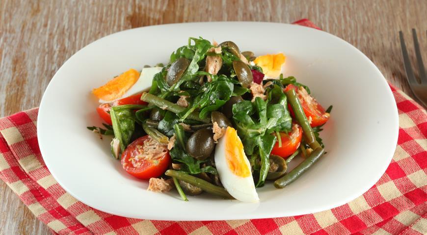 Рецепт Салат с зеленой фасолью, тунцом и помидорами