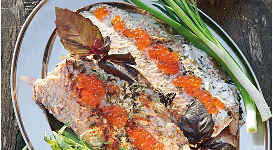 Рецепт Лосось горячего копчения с травами