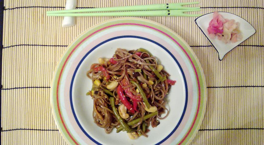 Рецепт Соба с овощами в ореховом соусе