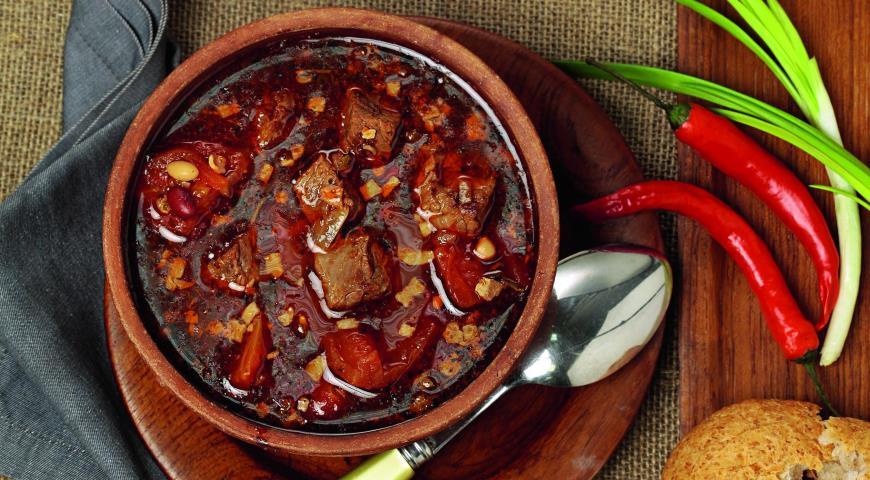 Рецепт Суп из говядины с фасолью и чили