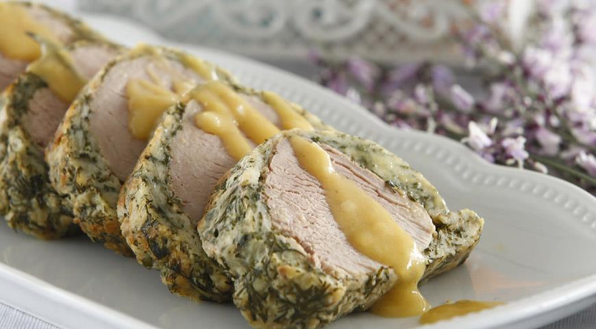 Рецепт Свиная вырезка в зеленой шубе