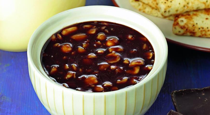 Рецепт Шоколадный соус с орехами