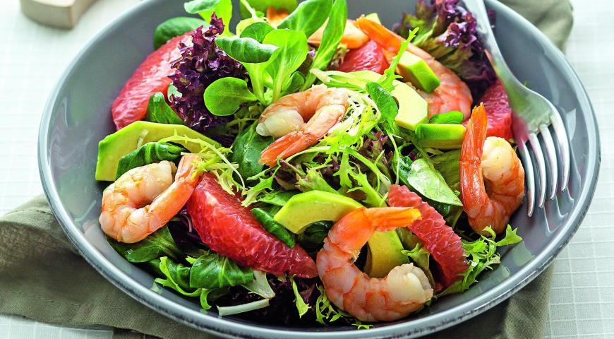 Рецепт Салат с креветками, грейпфрутом и авокадо
