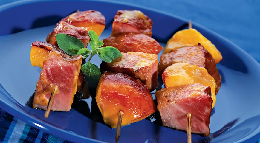 Рецепт Кебабы из ветчины и персиков
