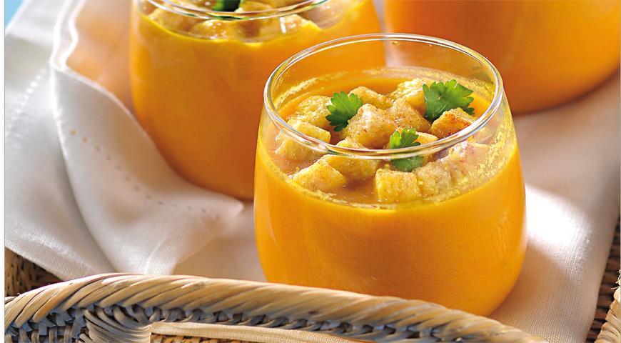 Рецепт Острый морковный суп с чесночными гренками