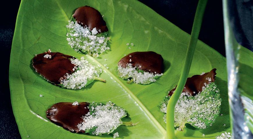 Рецепт Мятные листья в шоколаде