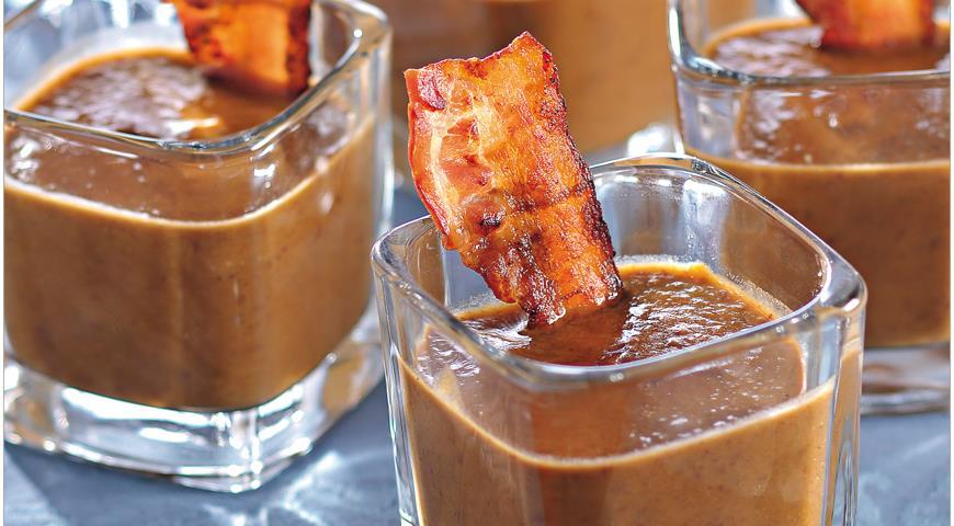 Рецепт Суп из черной фасоли с беконом, черносливом и хересом