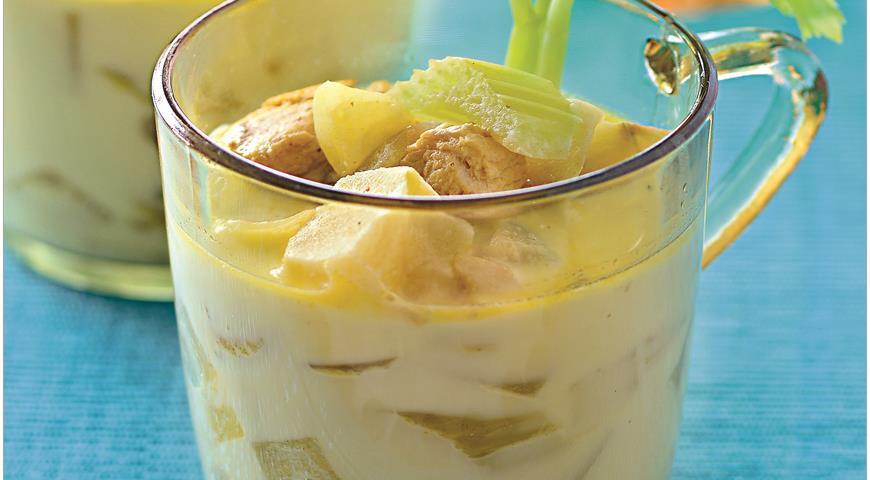 Рецепт Сенегальский суп из курицы с яблоками и сельдереем