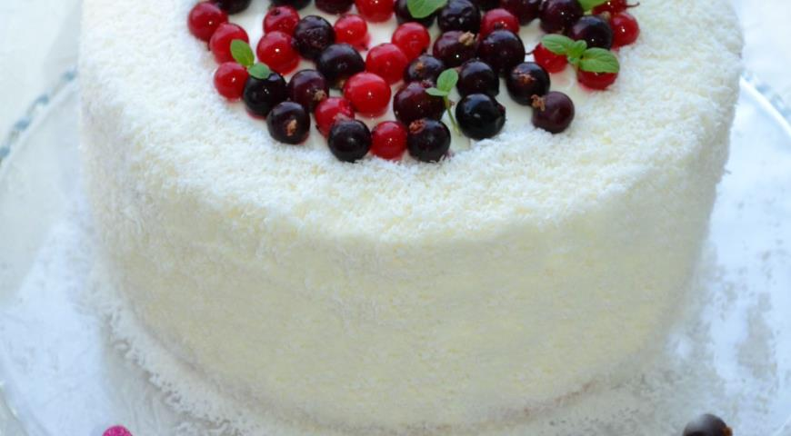 Как украсить торт смородиной