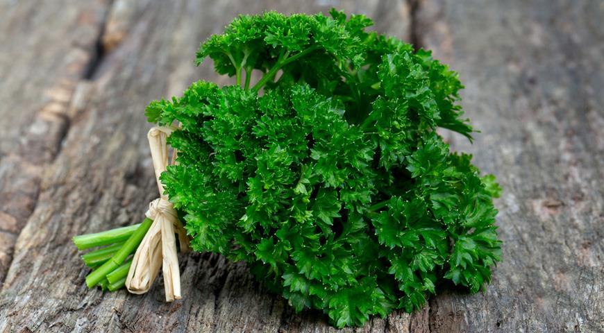 9 трав, які можуть покращити травлення
