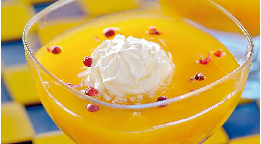 Рецепт Холодный суп из сухофруктов со взбитыми сливками