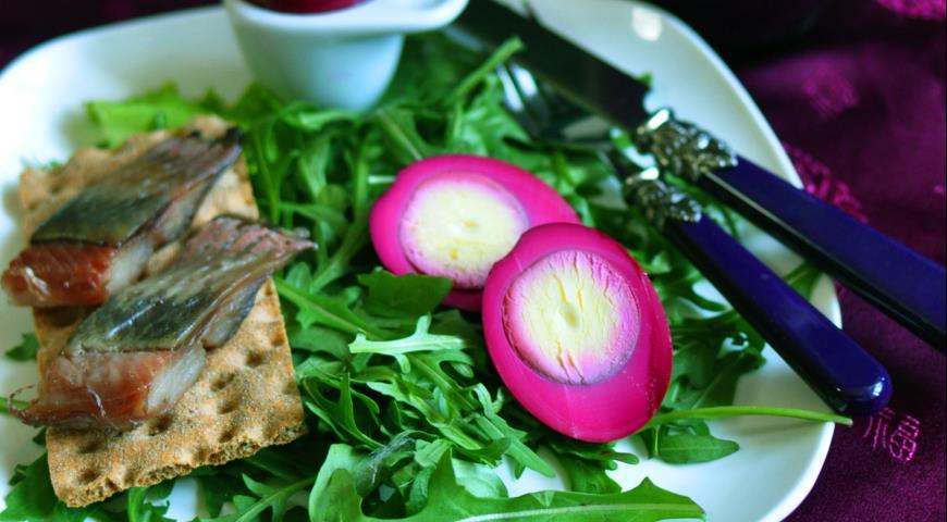 Рецепт Яйцо в пряном свекольном маринаде
