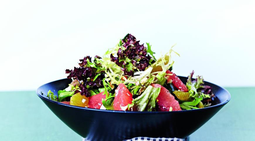 Рецепт Салат с цитрусовыми и орехами