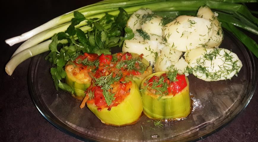 Рецепт Овощное рагу в кабачках