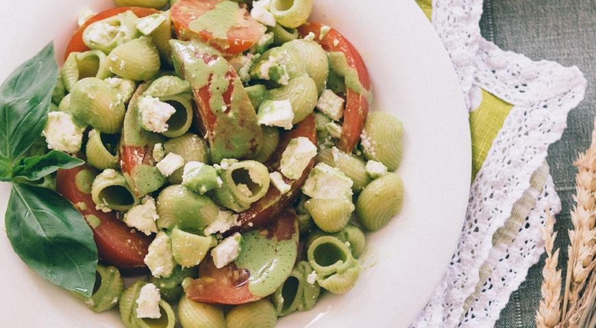 Рецепт Летний салат из пасты с помидорами
