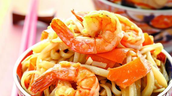 Лапша с креветками и кальмарами, пошаговый рецепт с фото