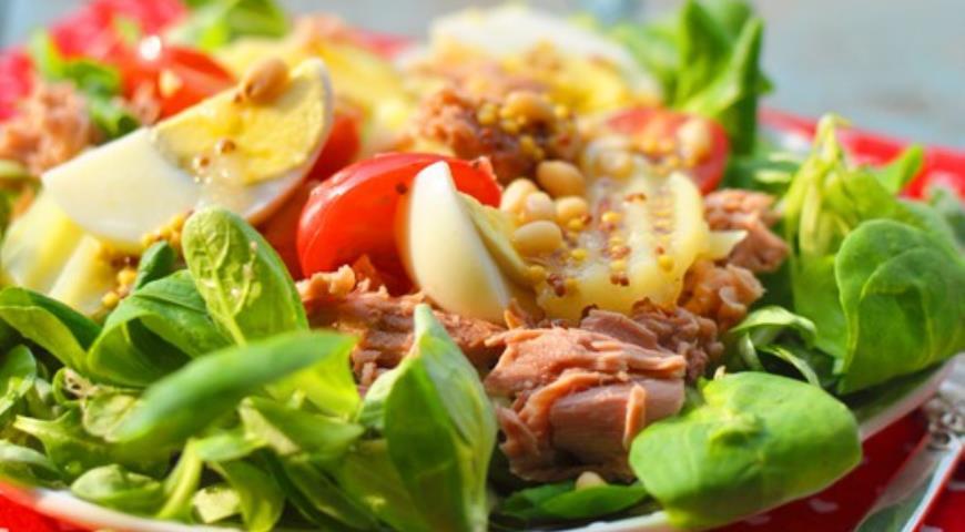 Рецепт Картофельный салат с тунцом и горчично-медовой заправкой