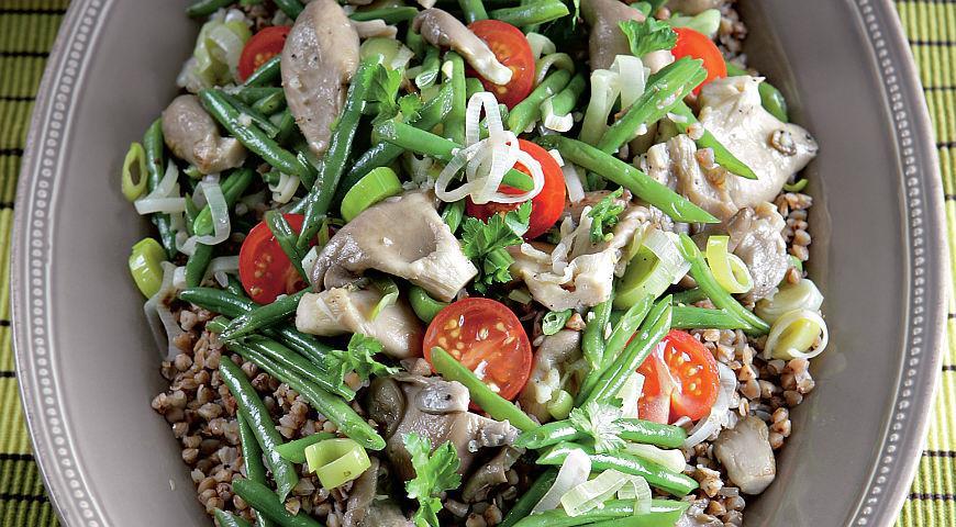 Рецепт Гречневая каша с овощами и вешенками