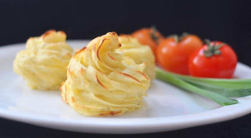 Рецепт Картофель «Дюшес» с пармезаном и мускатным орехом