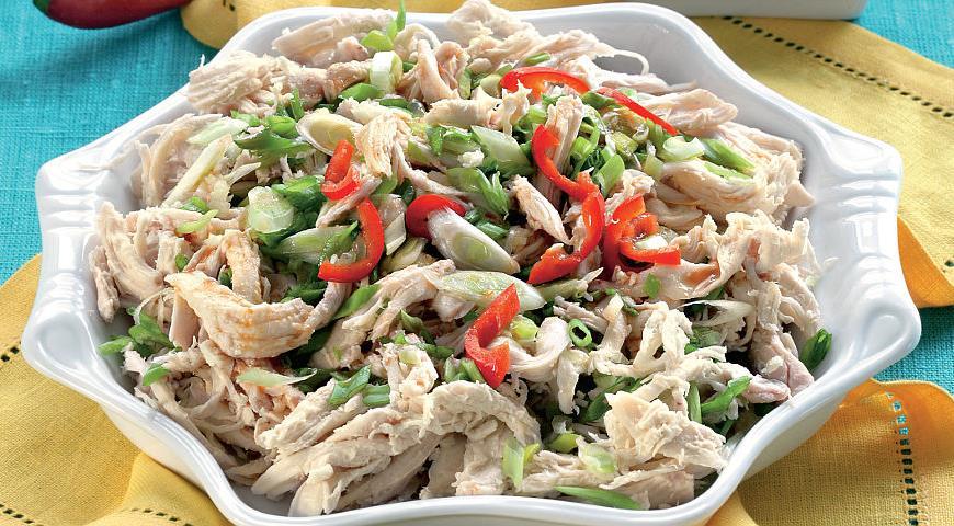 Рецепт «Курица-призрак» с пастой чили и зеленым луком
