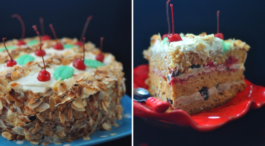 Рецепт Медовый бисквит с кремом «Milky Way» и черносливом