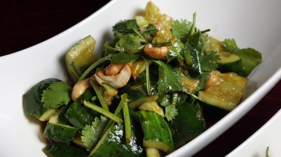 салат из битых огурцов рецепт с фото