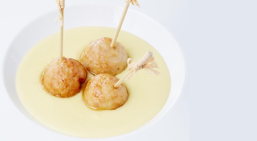 Рецепт Фрикадельки из кролика с картофельным пюре от Михаила Кукленко