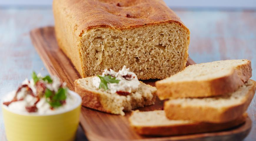 Рецепт Хлеб с пастернаком, сыром и шалфеем