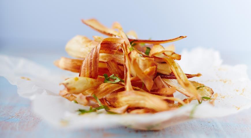 Пряные чипсы из пастернака