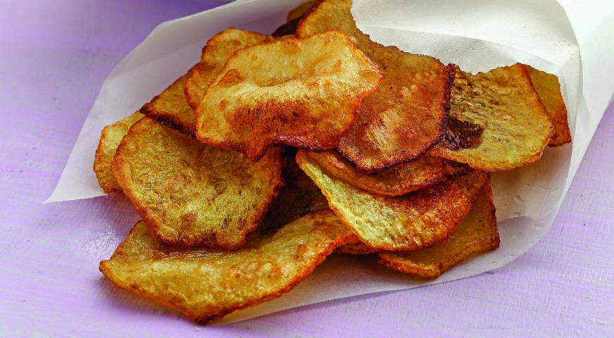 Картофельные чипсы створожным дипом