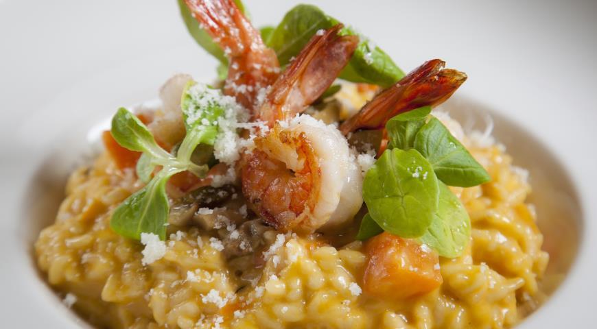 Рецепт Ризотто с тыквой, креветками и белыми грибами