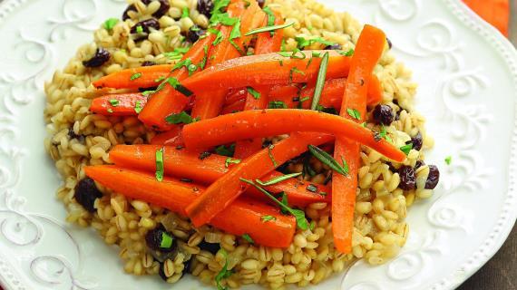 Глазированная морковь с пилавом из перловки , пошаговый рецепт с фото