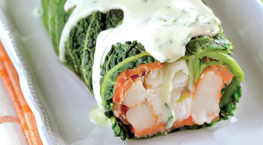 Рецепт Рулет из савойской капусты с копченым лососем и филе сибаса