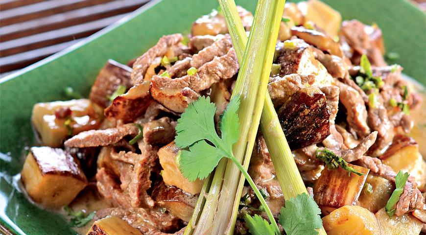 Рецепт Зеленое карри с баклажанами и говядиной