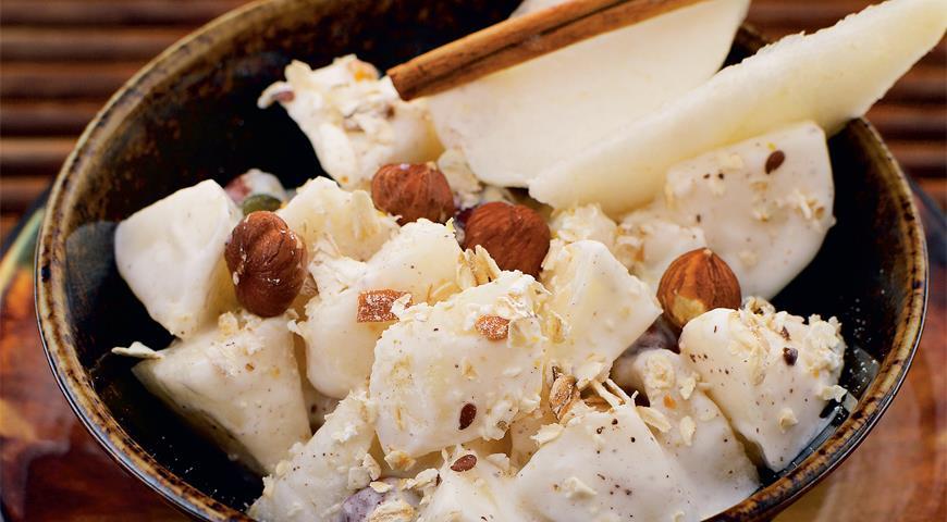 Салат из груш с орехами, пошаговый рецепт с фото