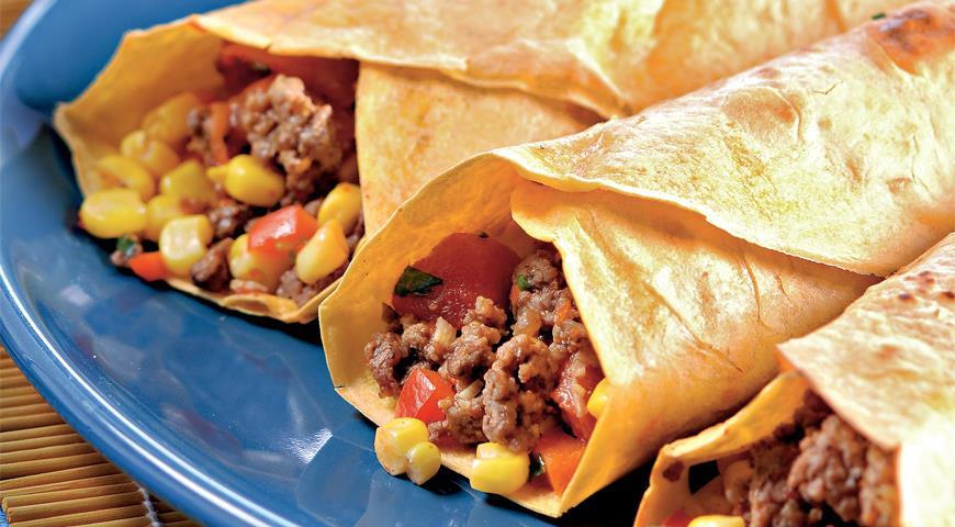 Рецепт Тортильяс с кукурузно-мясной начинкой и овощной сальсой
