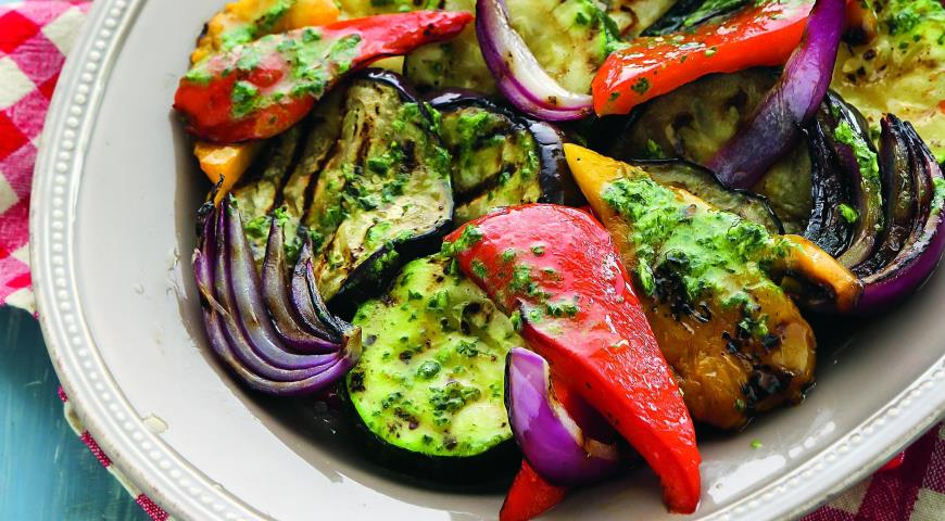 Рецепт Овощи на гриле с соусом из базилика