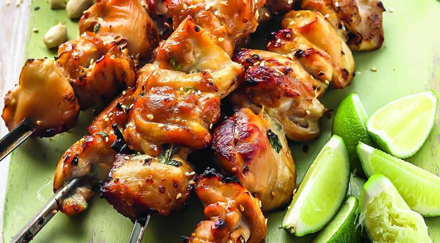 Рецепт Шашлычки из курицы с рисовым салатом