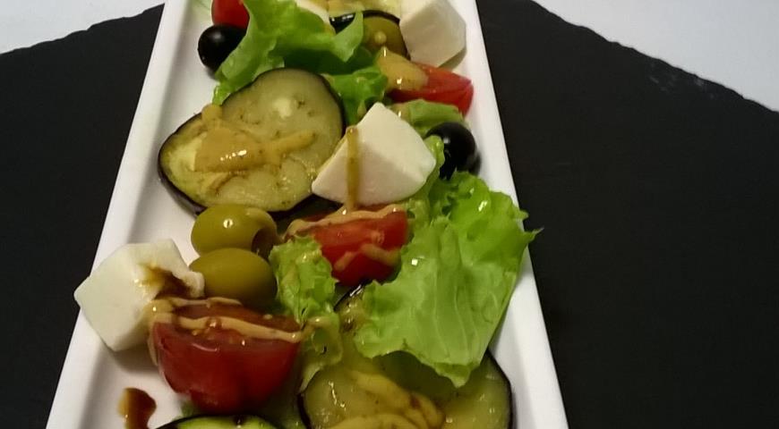 Рецепт Салат с овощами гриль и адыгейским сыром
