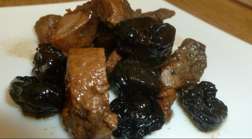 Рецепт Баранина с черносливом в чайном соусе