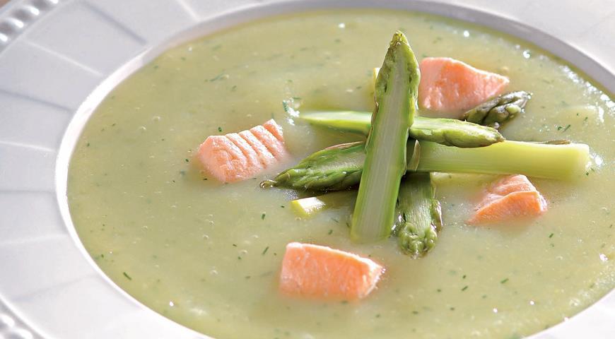 Рецепт Картофельный суп-пюре со спаржей и лососем