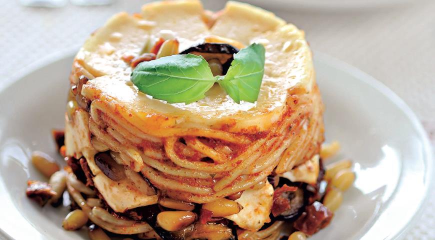 Рецепт Тимбаллини из спагетти с баклажанами и кедровыми орехами