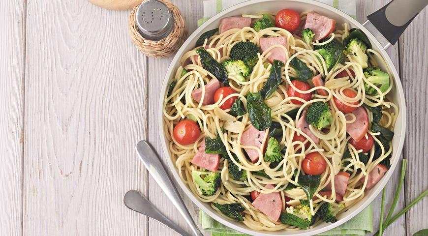 Рецепт Спагетти с ветчиной и брокколи