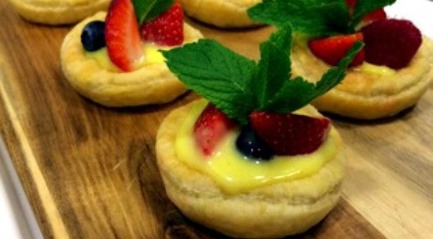 Рецепт Пирожное в тарталетках с ягодами