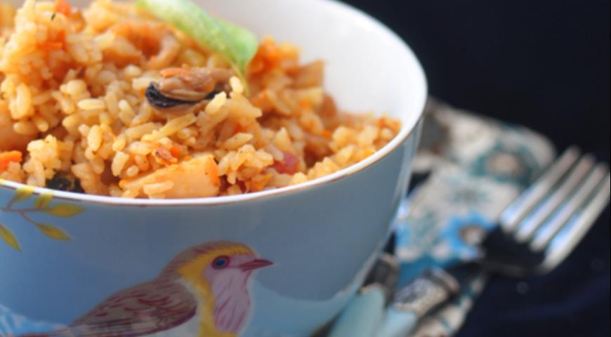 Рецепт Пилав с морепродуктами (креветки, гребешки, мидии)