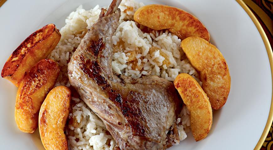 Рецепт Рис с бедрышками цесарки и карамелизованной айвой