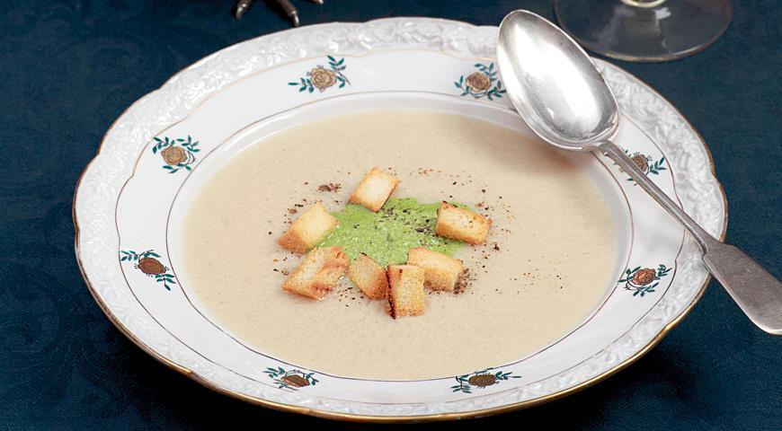 Рецепт Суп-пюре из цесарки с зеленой заправкой
